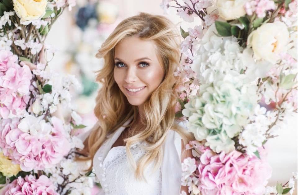 Беременная Юлия Думанская снялась в роскошной фотосессии вместе с мужем-олигархом - фото 384649
