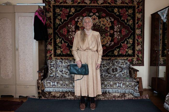 Королева стиля: 91-летняя бабушка из Беларуси покорит вас своей одеждой - фото 388252