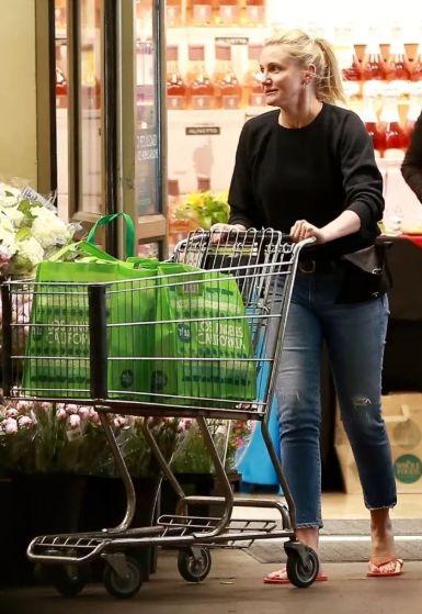 Вот так выглядит актриса Кэмерон Диас после того, как ушла из мира кино - фото 389549