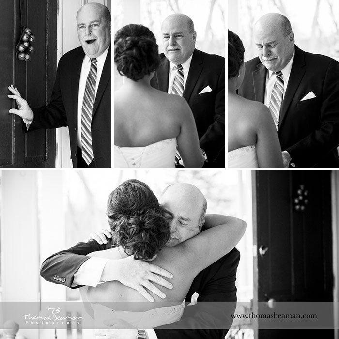 Как мило: эмоциональные фото, на которых отцы впервые видят дочерей в свадебных платьях - фото 390013