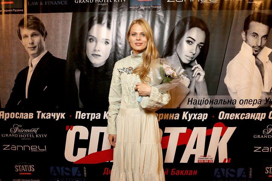 Ольга Фреймут и Лилия Подкопаева стоя аплодировали Екатерине Кухар - фото 387199