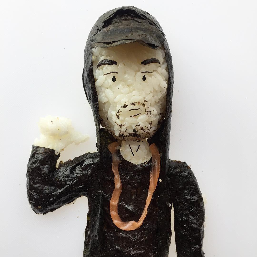 Хлопець робить круті скульптури з суші, і таку красу аж шкода їсти - фото 403388