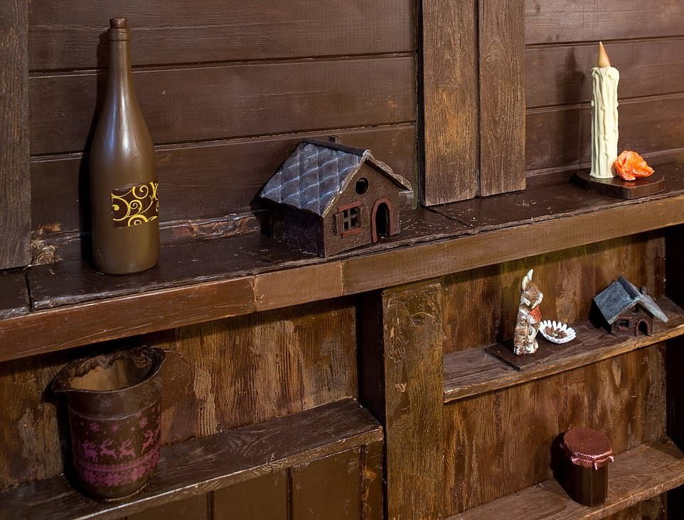 ВозлеПарижа построили дом из шоколада, в котором можно заночевать - фото 404196