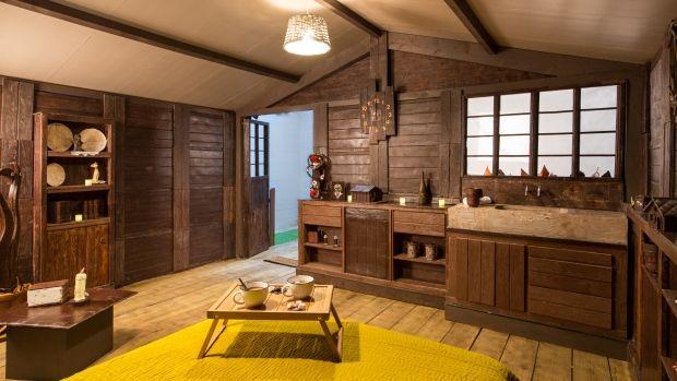 ВозлеПарижа построили дом из шоколада, в котором можно заночевать - фото 404201