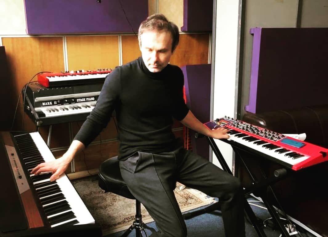 Святослав Вакарчук показав, у якій магії твориться музика гурту 'Океан Ельзи' - фото 420793