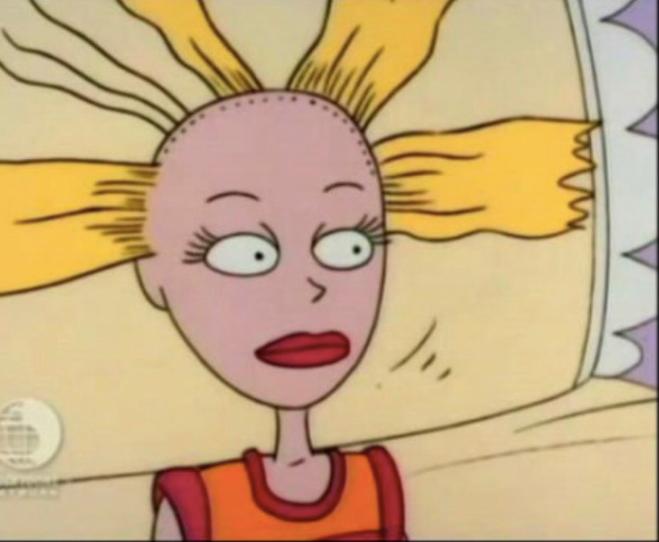 Блогерша хотела поразить фанов окрашенными волосами, но у нее все пошло не так - фото 439932
