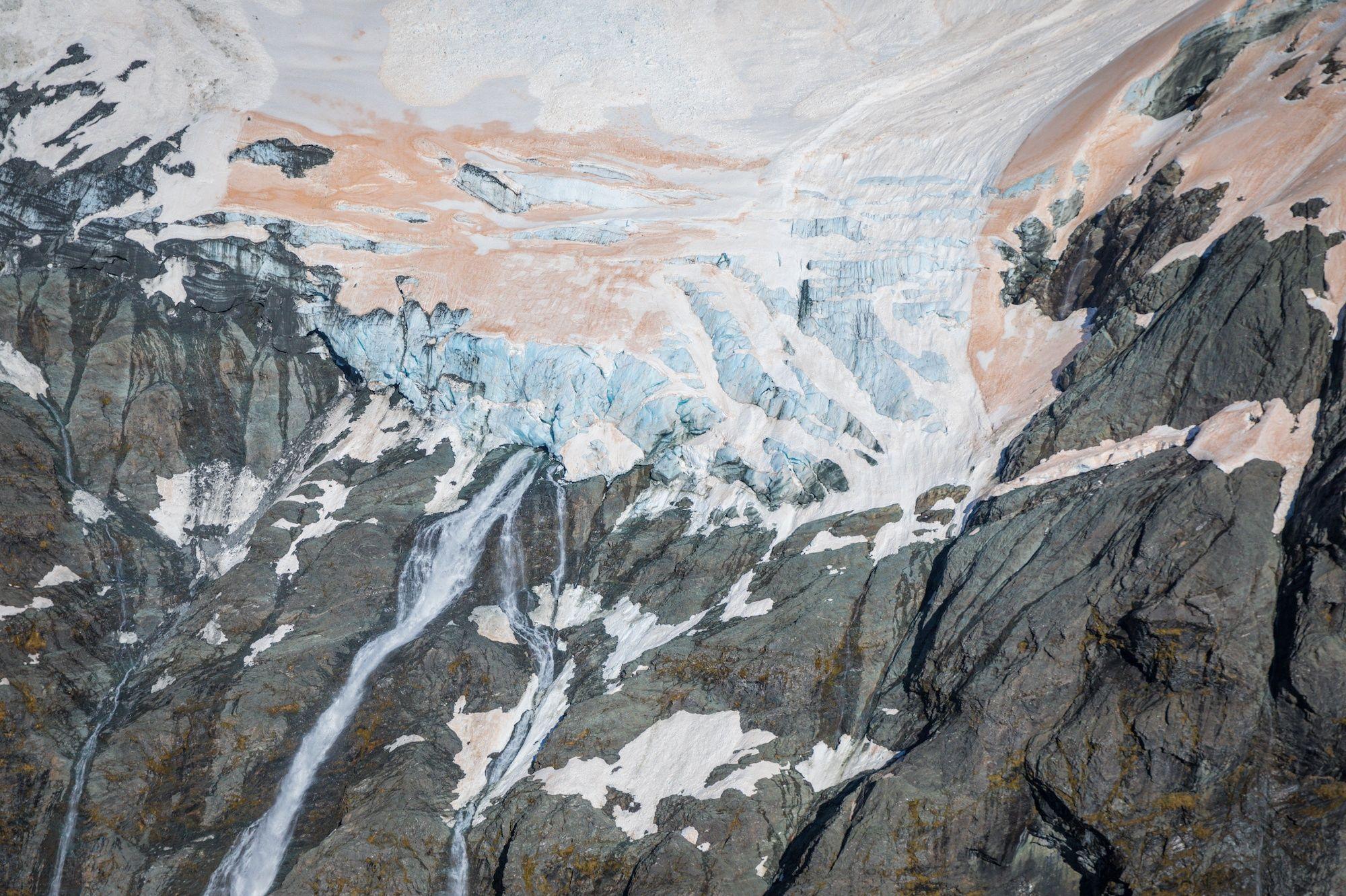 Фото дня: льодовики в Новій Зеландії почервоніли - фото 460664