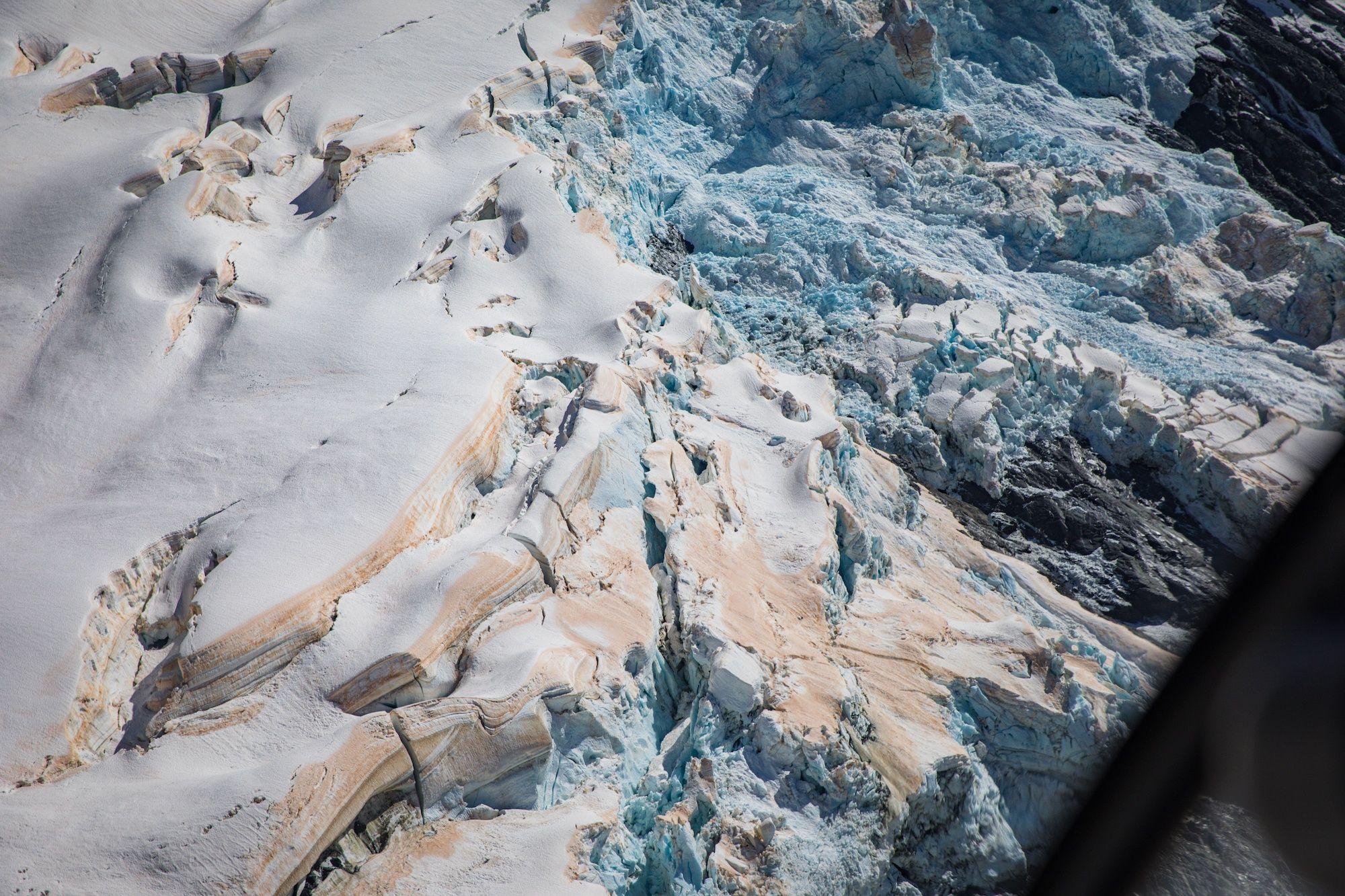 Фото дня: льодовики в Новій Зеландії почервоніли - фото 460666