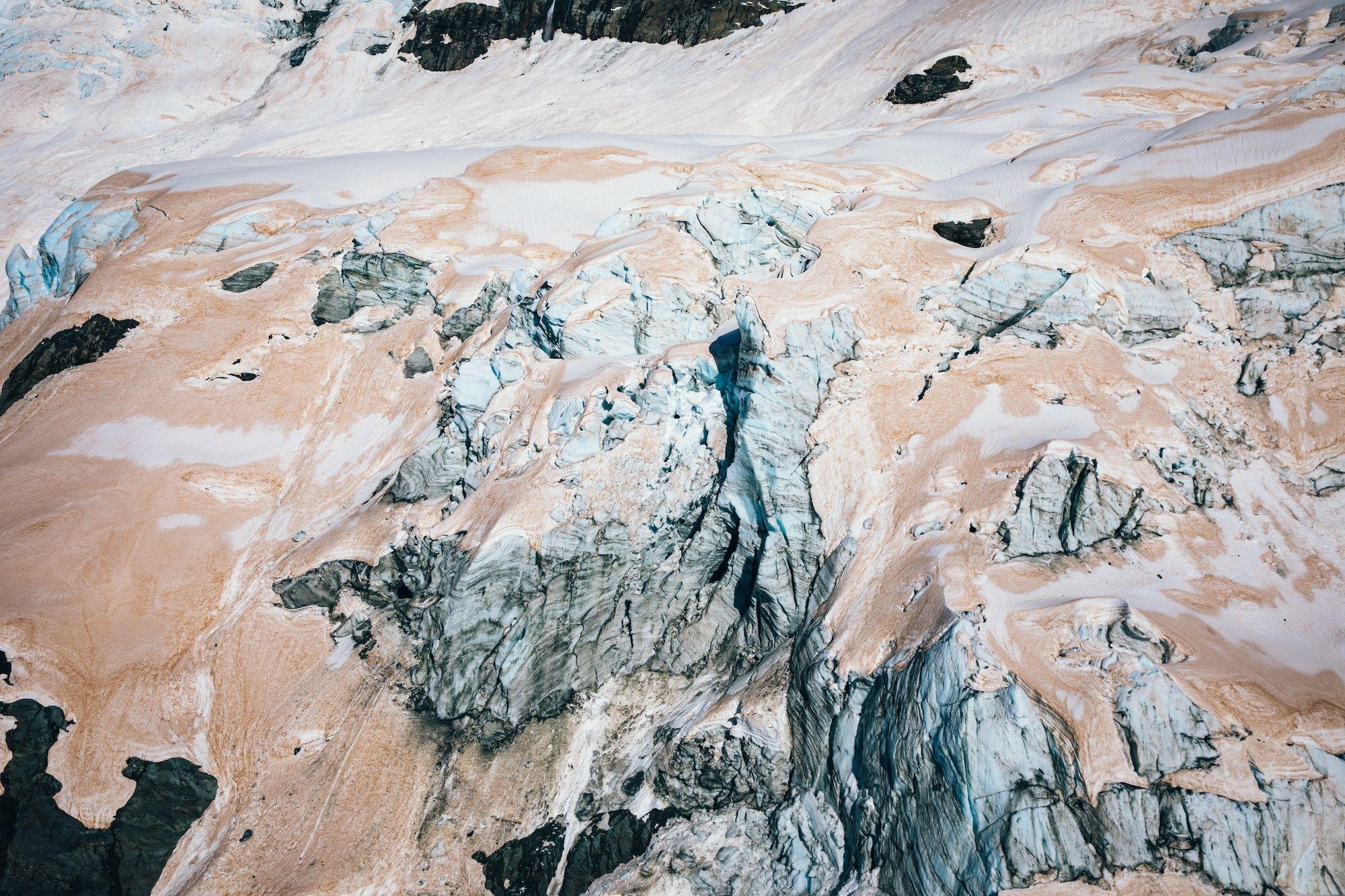 Фото дня: льодовики в Новій Зеландії почервоніли - фото 460667