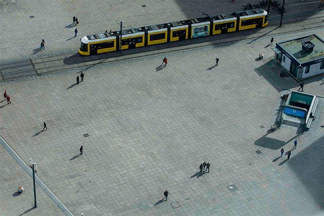 Сильні кадри: фотопроєкт про те, як виглядають опустілі вулиці мегаполісів - фото 472204
