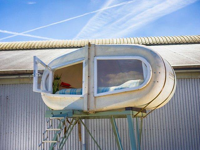 У Нідерландах відкрили кемпінг, де можна заночувати в теплиці та навіть сміттєвому баці - фото 492675