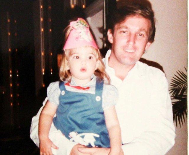 Іванка Трамп поділилася архівним фото з молодим батьком - фото 481381