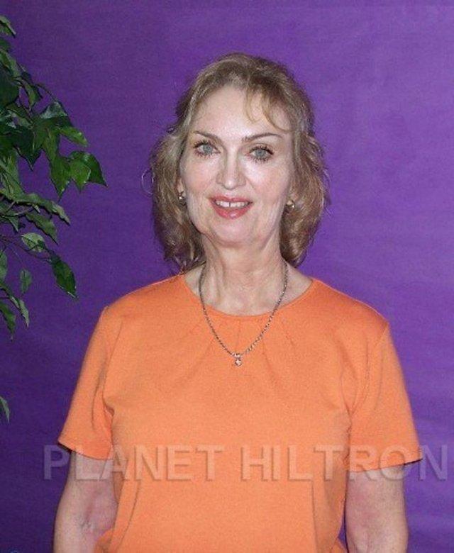Фотошоп перетворив голлівудських зірок у звичайних людей зі смішними зачісками й одягом - фото 483406