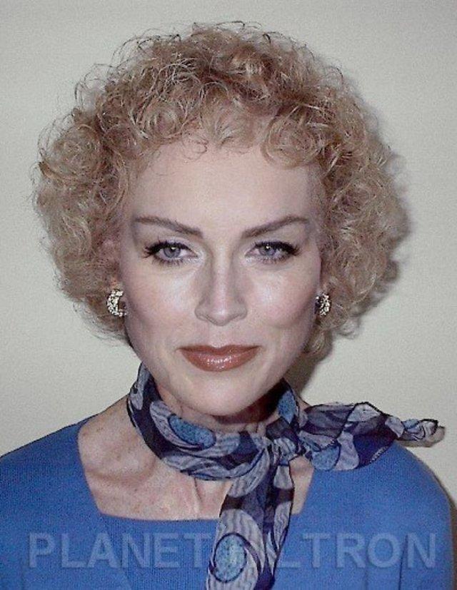 Фотошоп перетворив голлівудських зірок у звичайних людей зі смішними зачісками й одягом - фото 483410