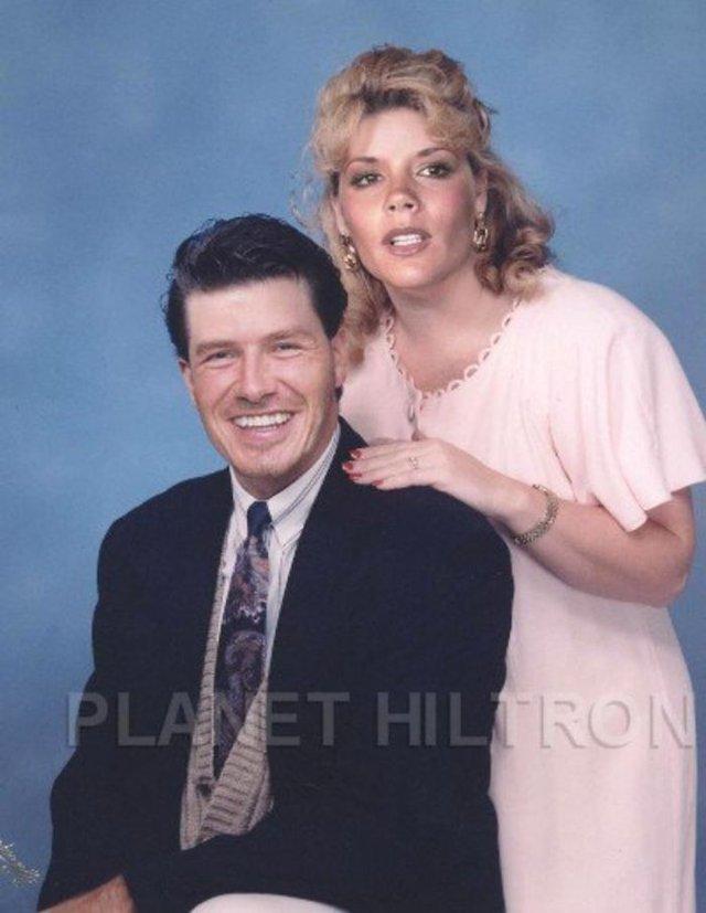 Фотошоп перетворив голлівудських зірок у звичайних людей зі смішними зачісками й одягом - фото 483422