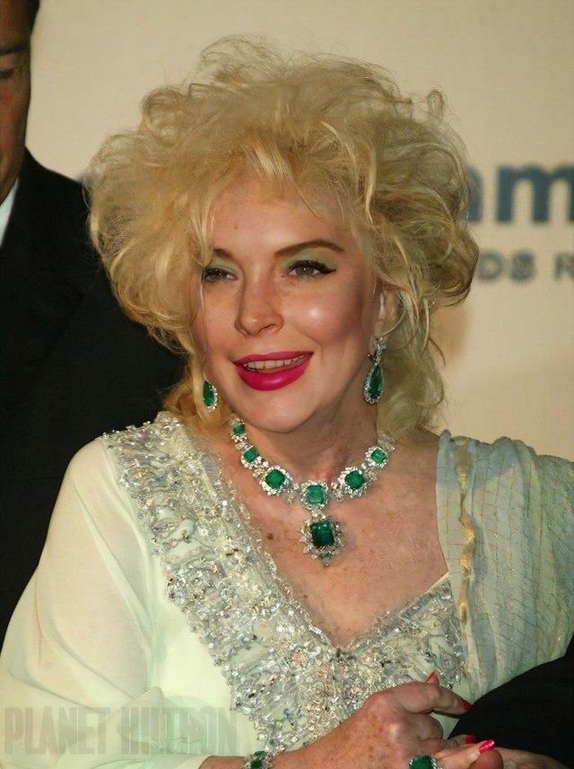 Фотошоп перетворив голлівудських зірок у звичайних людей зі смішними зачісками й одягом - фото 483425