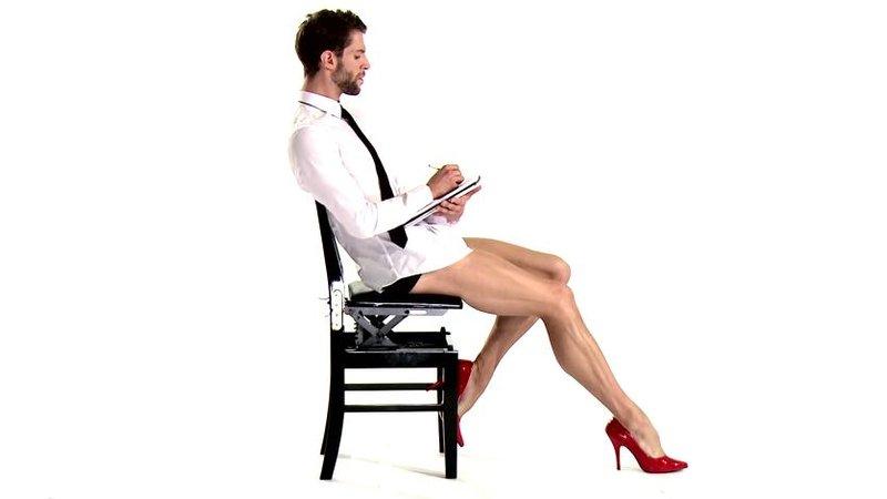 ебется на стуле