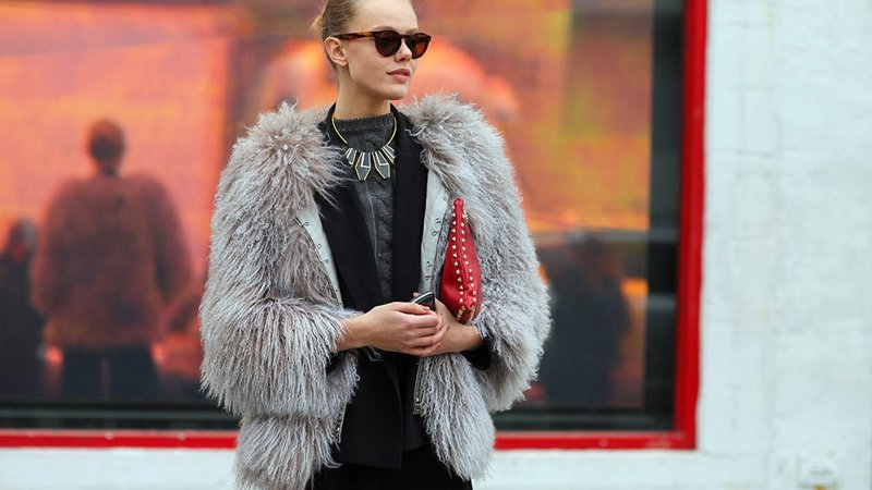 Не модно: які речі варто викинути зі своєї шафи у 2018 році