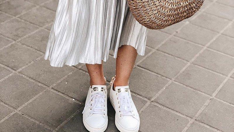 З чим носити кросівки  ТОП стильних образів - фото - Люкс FM 15e3a994e2c23