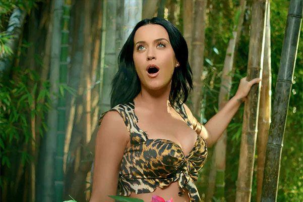 Смотреть русские клип в джунглях певица