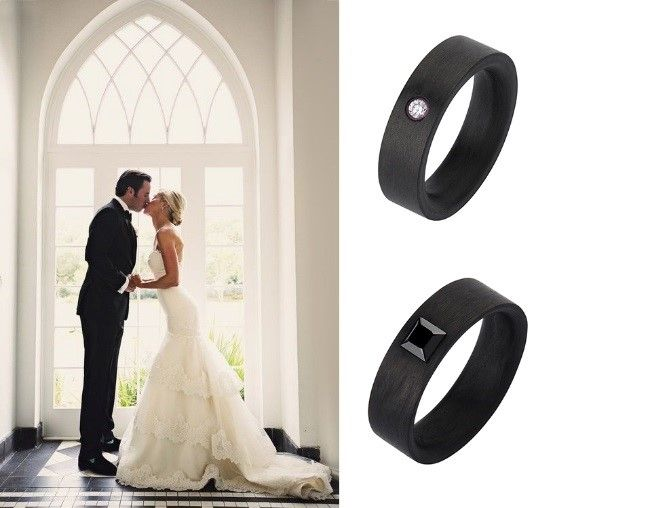 Лаконічна каблучка для нареченого та більш витончена з сяючими камінцями  для нареченої. Зазвичай створюють такі золоті обручки у червоному або ... d6831bdd826ec