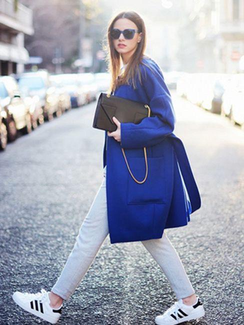 Модна підбірка вуличного стилю з білими кросівками! a7fd3576bb39e