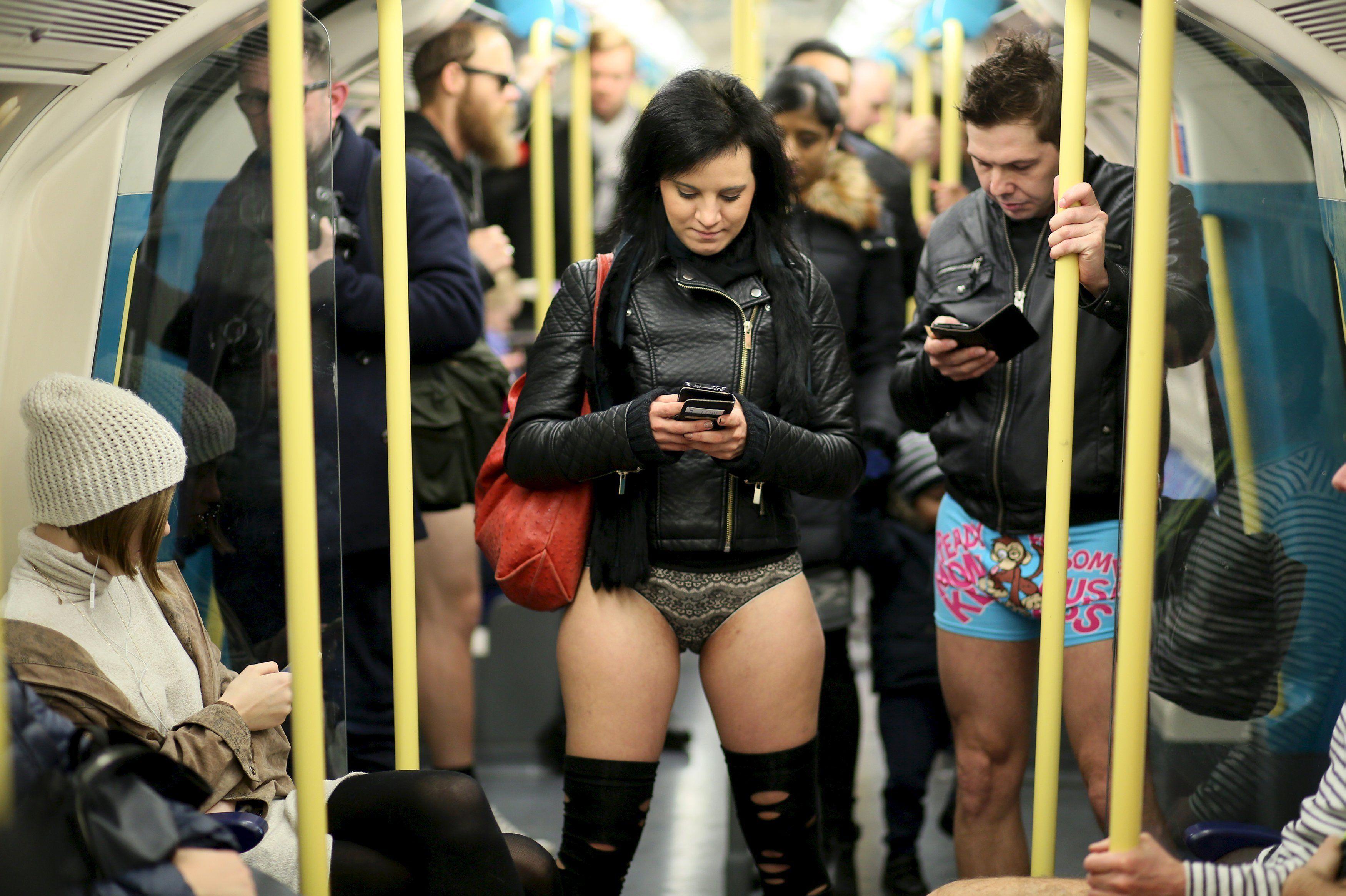Разные леди показали себя без одежды  663358