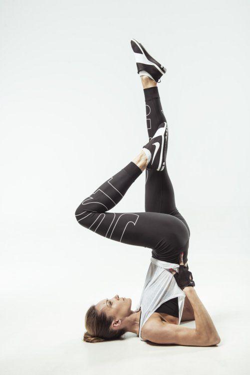 Дівчата продемонстрували ідеальну спортивну фігуру. Nike вміє мотивувати! Дивіться  також  Чарівна та загадкова Міранда Кер у новій рекламній кампанії 337d7ad0b3f59