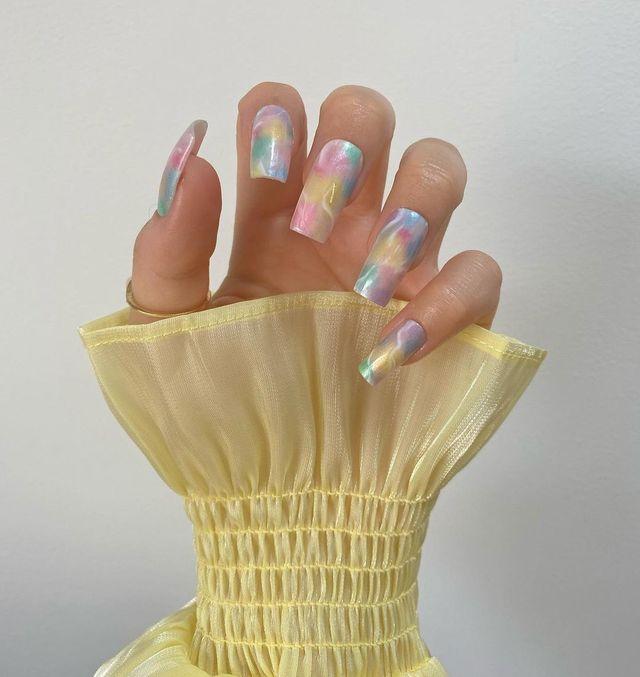 Опять за старое: накладные ногти - модная фишка этого сезона - фото 495511