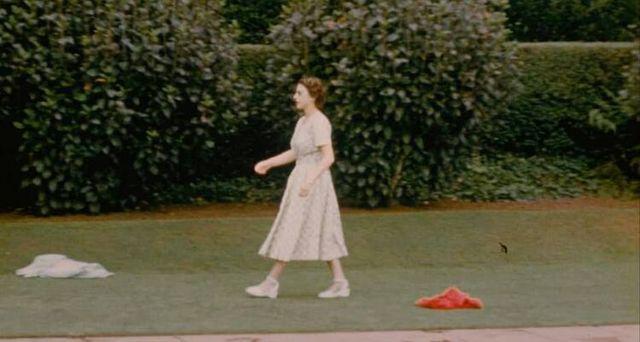 Звичайна жінка і мама: з'явилися невідомі раніше фото Єлизавети ІІ - фото 511565