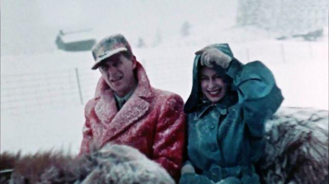 Звичайна жінка і мама: з'явилися невідомі раніше фото Єлизавети ІІ - фото 511566